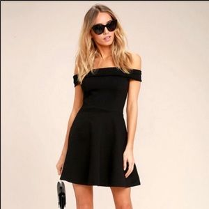 Lulus NWT Off the Shoulder Little Black Dress SZ M